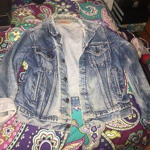 Levi's Jackets & Coats - Levi Jean Jacket UniSex